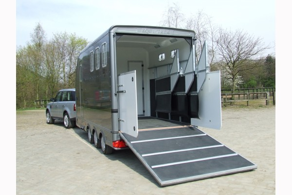multi-treka-trailers-1533133724.jpg